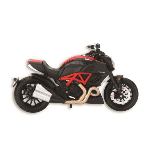 Ducati Diavel makett